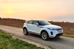 test-2019-range-rover-evoque-d180- (56)