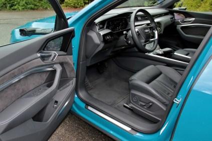 test-elektromobilu-2019-audi-e-tron-55-quattro- (24)
