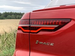 test-elektromobilu-2019-jaguar-i-pace- (21)
