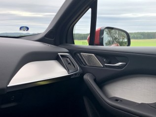 test-elektromobilu-2019-jaguar-i-pace- (47)