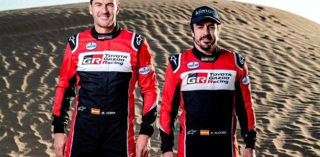Fernando Alonso a navigátor Marc Coma