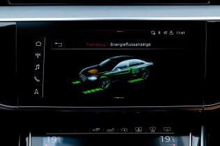 2020_Audi_A8_L_60_TFSI_e_quattro_plug-in_hybrid- (17)