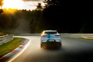 elektromobil-jaguar_i-pace_race_etaxi_nurburing-08