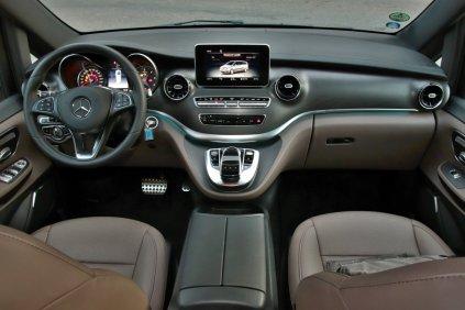 test-2019-mercedes-benz-v-300d-4matic-facelift- (27)