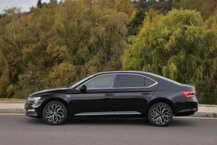 test-2019-skoda-superb-facelift- 20-tdi-evo-110-kw-dsg-laurin-a-klement- (9)