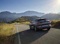 2020-Ford-Mustang-Mach-e-elektromobil- (19)