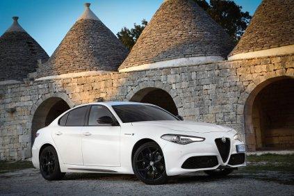 Alfa-Romeo_Giulia-MY2020- (1)