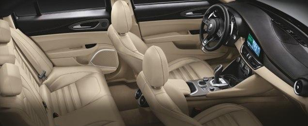 Alfa-Romeo_Giulia-a-Stelvio-interier-MY2020- (6)