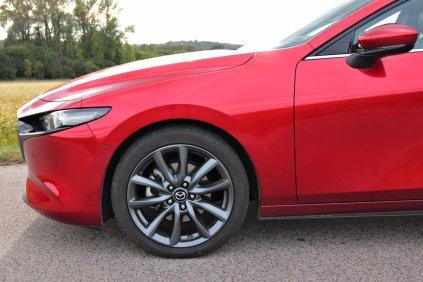 Test-2019-Mazda3-Skyactiv-G122- (12)
