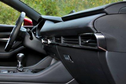 Test-2019-Mazda3-Skyactiv-G122- (37)