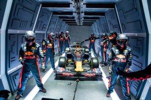 U Red Bullu se opravdu nenudí. Vyzkoušeli si pit stop v nulové gravitaci