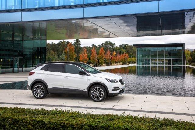 Opel-Grandland-X-PHEV- (1)