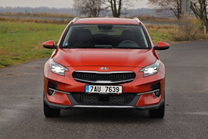 test-2019-kia-xceed-16-t-gdi-204k-7dct- (9)