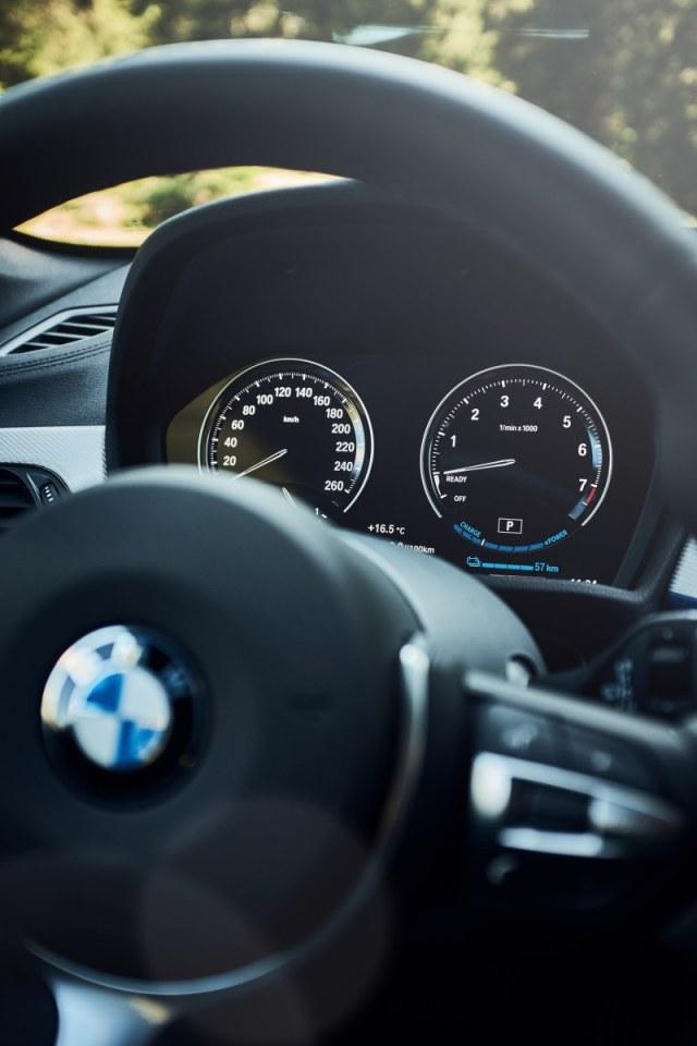 BMW-X2-xDrive25e- (9)