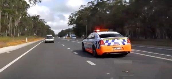australska-policie-chrysler-300-srt-video
