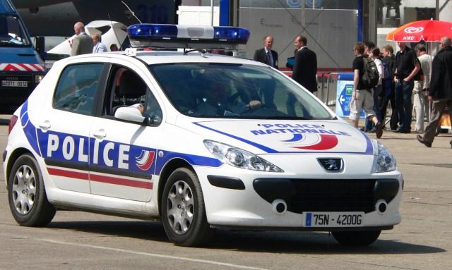 francouzska-policie-peugeot-207