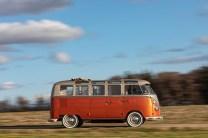 Volkswagen-T1-e-BULLI-elektromobil- (7)