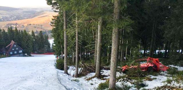 peugeot-208-nehoda-skiareal-klinovec-1