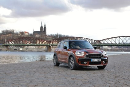 test-2020-mini-s-e-countryman-plug-in-hybrid- (1)