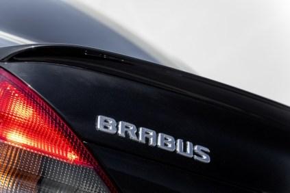 mercedes-benz-sl-600-brabus-t12-na-prodej- (12)