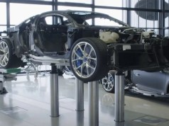 Bugatti-Chiron-dokument-z-vyroby-video
