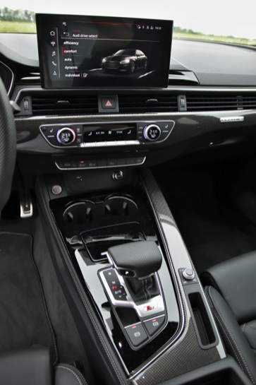 test-2020-audi-s5-sportback-30-tdi-quattro- (32)
