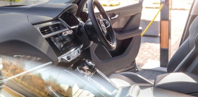 2021-jaguar-i-pace-elektromobil- (15)