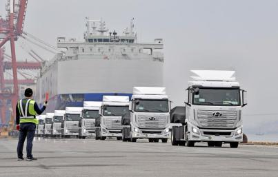Hyundai-xcient-fuel-cell-shipping- (1)