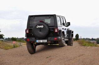 test-2020-jeep_wrangler_rubicon-a-jeep_wrangler_sahara- (11)