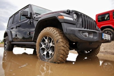 test-2020-jeep_wrangler_rubicon-a-jeep_wrangler_sahara- (3)