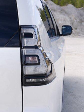 2020-Toyota_Land_Cruiser-Black_Pack-facelift- (10)