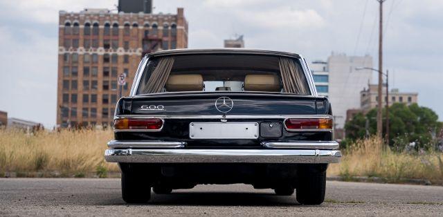 Mercedes-600-LWB-Pullman-11