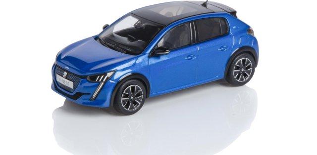 Peugeot_e208_43_Blue_F