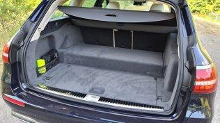 prvni-jizda-2021-mercedes-benz-e-300-de-4matic-kombi-facelift- (12)
