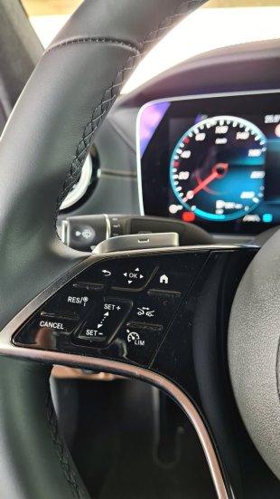 prvni-jizda-2021-mercedes-benz-e-300-facelift- (22)