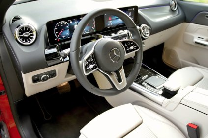 test-2020-mercedes-benz-gla-220d-4matic- (32)