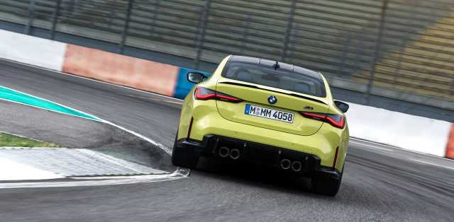 2021-bmw-m4-coupe- (7)