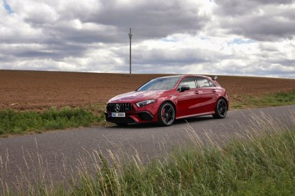 test-2020-mercedes-amg_a_45_s-4matic- (12)