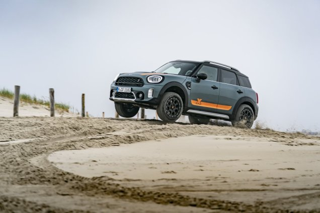 2020-MINI_Countryman_Powered_by_X-raid- (12)