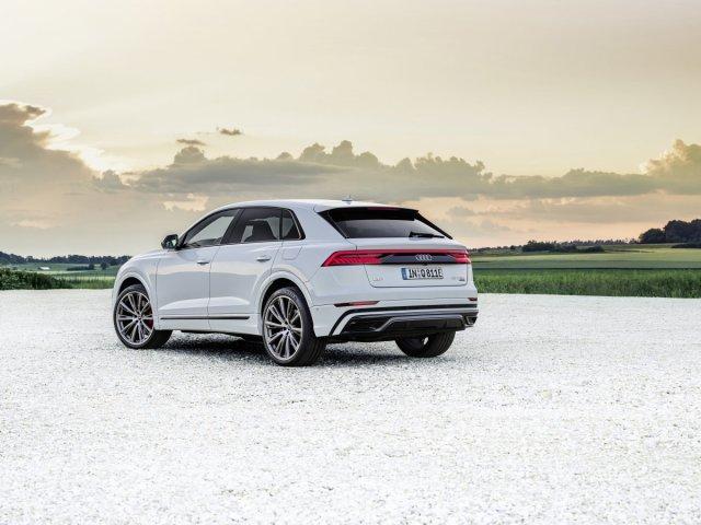 2021-audi-q8-tfsie-quattro-plug-in-hybrid- (9)
