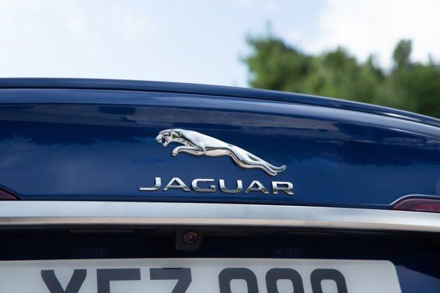 2021-facelift-Jaguar_XF_ (7)