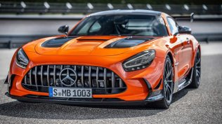 2021-mercedes-amg-gt-black-series- (2)