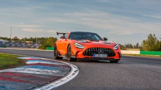 2021-mercedes-amg-gt-black-series- (20)