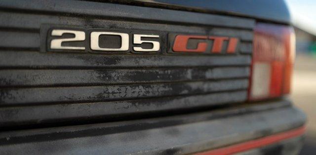 Aventure-Peugeot-renovace-Peugeot_205-GTi- (2)