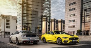 Ford_Mustang_Mach1-FighterJetGray-a-GrabberYellow