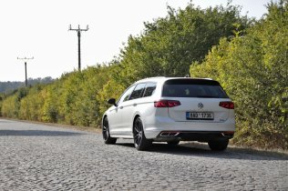 test-2020-volkswagen-passat-variant-20-tdi-4motion-dsg-r-line- (10)