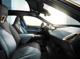 2021-elektromobil-BMW_iX- (14)
