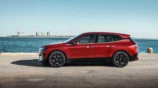 2021-elektromobil-BMW_iX- (2)