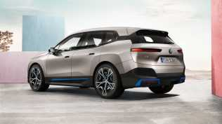 2021-elektromobil-BMW_iX- (6)