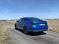 test-2020-plug-in-skoda_superb_iv-sportline- (5)